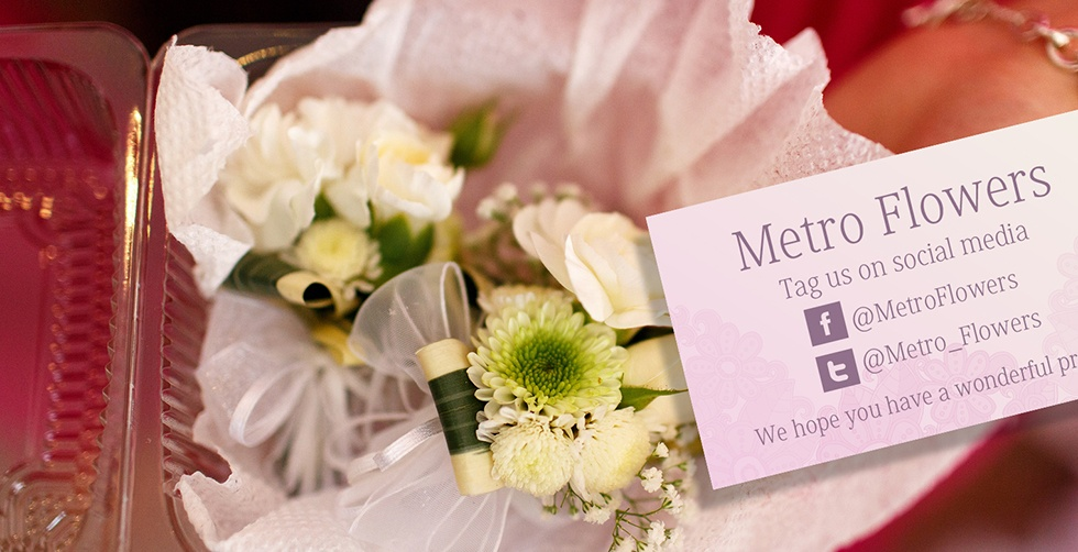 prom_flowers_corsage_box.jpg