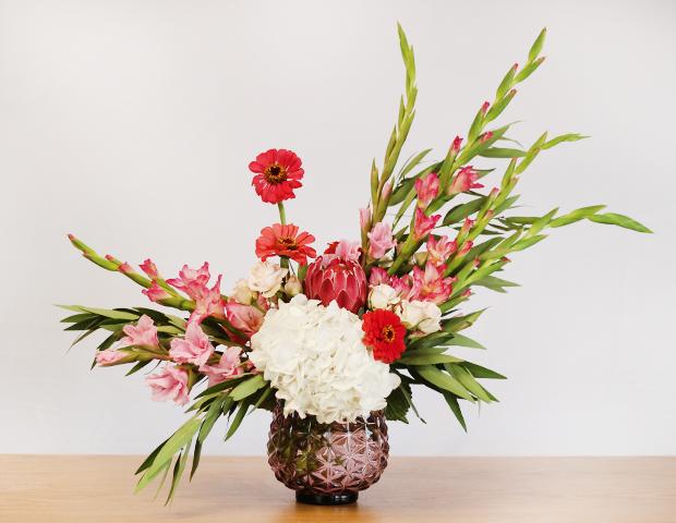 Summer Favorites Gladiolus Zinnia Hydrangea